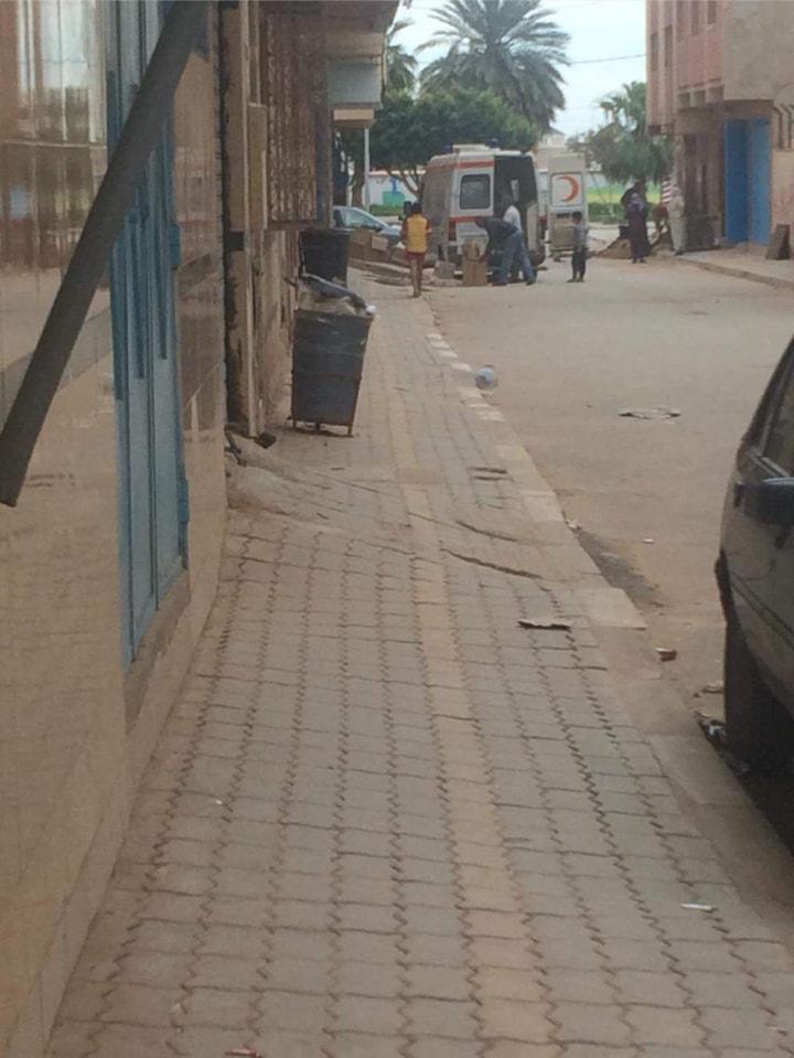+صورة:حقيقة نقل سيارة اسعاف لمواد البناء بقرية أركمان؟؟