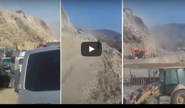 بالفيديو:انهيار صخري يقطع الطريق بين  الدريوش والحسيمة ويترك مسافرين عالقين !