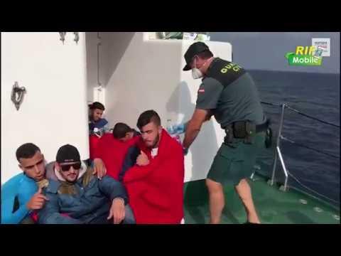 بالفيديو الحرس المدني الاسباني يعترض قاربًا على متنه 12 مهاجراً من أصل مغربي