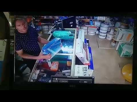 +فيديو: لص يسطو على محل هواتف وسط الناظور