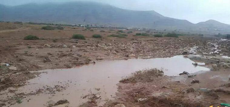 +صور: الأمطار تحاصر دوارا ضواحي الناظور منذ يوم الجمعة والساكنة تستنكر