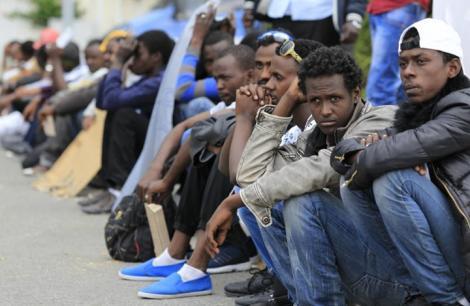 ردا على انتقادات حقوقية.. الحكومة : ترحيل المهاجرين من الناظور لمدن أخرى مؤطر بالقانون