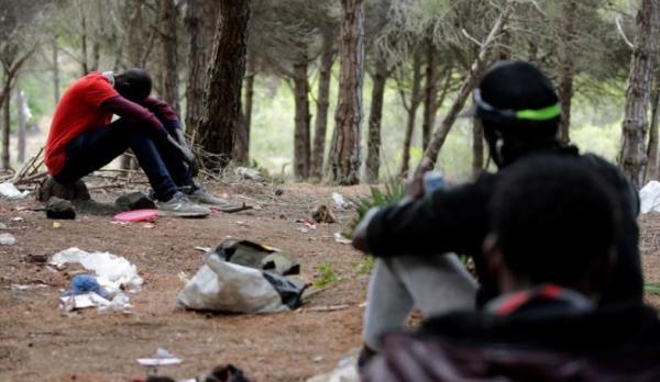 """إسبانيا تعترف باستحالة منع المغرب للمهاجرين الأفارقة من محاولة """"الحريك"""""""