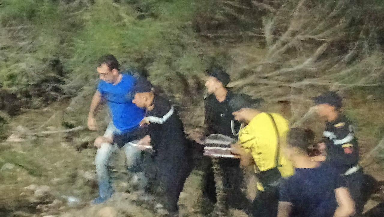 +صور: عائلة تنجو من موت محقق اثر حادث سير بين الناظور و بني انصار