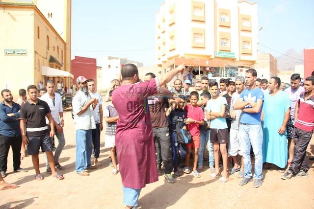 + صور و فيديو : سكان أولاد بوطيب الفوقاني في وقفة احتجاجية لهذه الأسباب ..؟؟؟