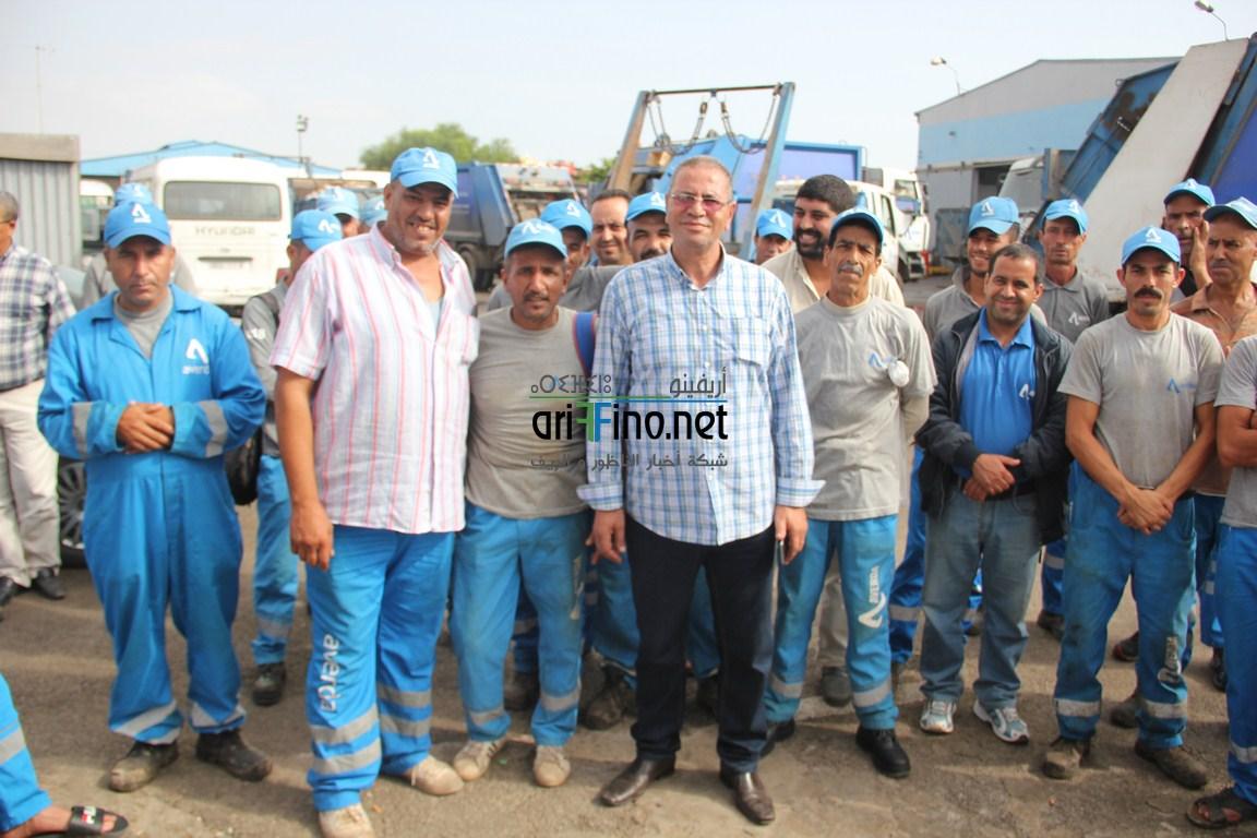 + فيديو و صور:عمال شركة أفيردا للنظافة بالناظور في اضراب احتجاجي لهذا السبب الغريب..