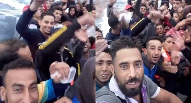 شباب من الناظور يوثقون هجرتهم على متن قارب للموت متجه نحو أوروبا +(فيديو)