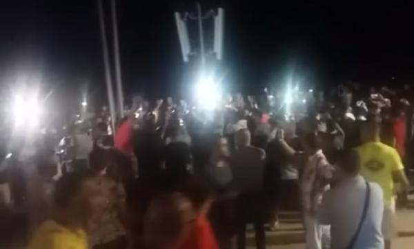 """فيديو+ تفاصيل مثيرة .. هذا ما وقع لحظة ظهور """"الفانطوم الشبح"""" التي تنقل المهاجرين من شمال المغرب الى اسبانيا مجانا"""
