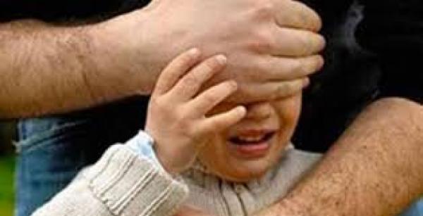 ام تتهم طليقها باختطاف ابنتها من امام باب مؤسسة تعليمية بالدريوش