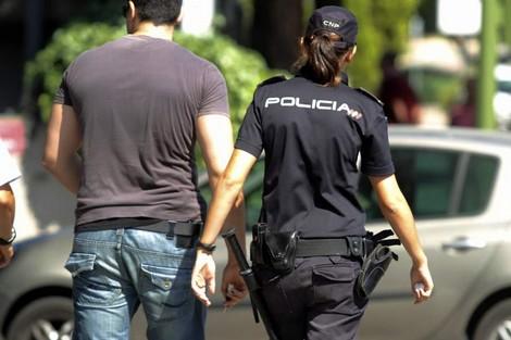متهم بالترويج الدولي للمخدرات:إسبانيا توقف مهاجرا من بني انصار مطلوبا للعدالة بالمغرب