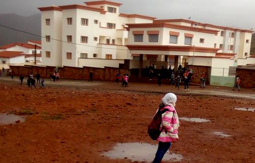 تنقيل معلمة يحرم عشرات التلاميذ من مقاعد الدراسة بإقليم الحسيمة