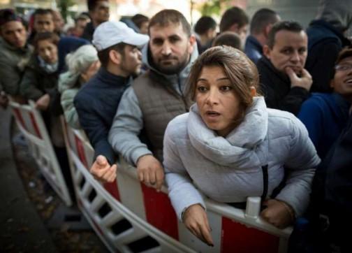 طلبات لجوء الشباب المغاربة تتقاطر على إسبانيا.. ارتفعت بـ44 % وتسجيل 44 طلبا في يوم واحد