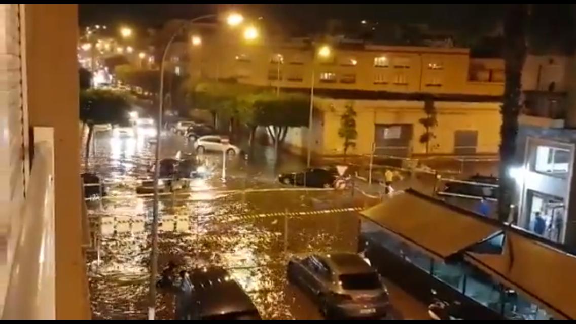 شاهد بالفيديو..مليلية تتنفس تحت الماء بسبب ضُعف البنية التحتية