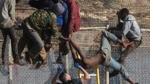 إسبانيا تعيد إلى الناظور 55 مهاجرا دخلوا إلى مليلية عبر اقتحام السياج الحدودي وسط رفض حقوقي