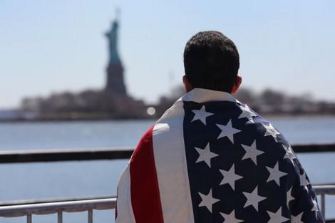 للمغاربة الراغبين في الهجرة إلى أمريكا.. هذه تفاصيل وخطوات التسجيل في القرعة- صور