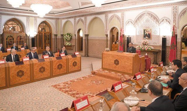 الملك يترأس مجلسا وزاريا لمناقشة مالية 2019 و مشروعي قانون..