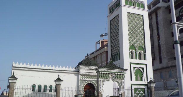 """وزارة التوفيق """"تعترف"""" بتمويل مساجد مليلية..وهذه تفاصيل التعويضات السخية المقدمة للأئمة والخطباء والمؤذنين"""
