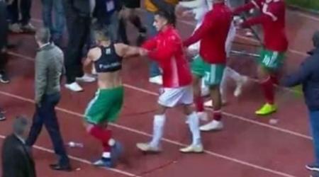 """+فيديو: استياء عارم من """"اعتداء"""" لاعبين تونسيين على لاعبي المنتخب المغربي"""