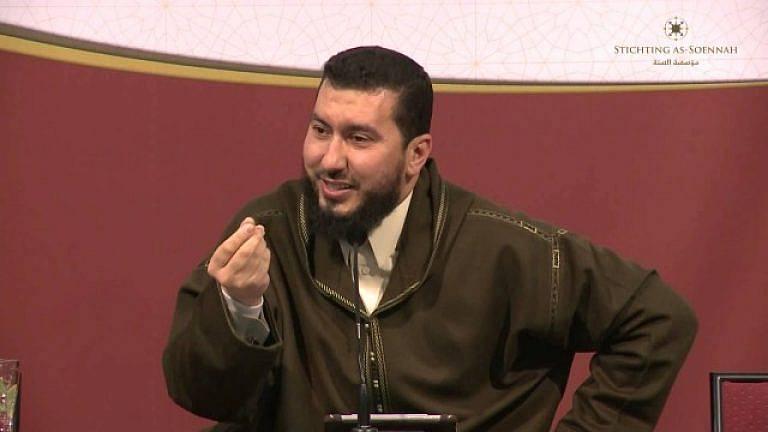 فيديو..الداعية محمد بونيس يوجه رسالة للراغبين في الهجرة عبر قوارب الموت بالناظور