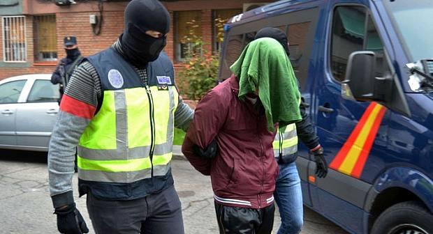 الشرطة الإسبانية توقف مغربيا متهما بمحاولة قتل