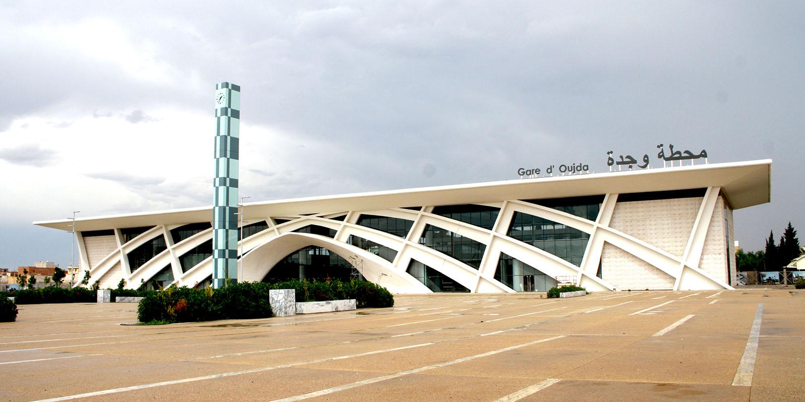 +صور: تدشين محطة القطار الجديدة بوجدة بكلفة 17 مليار سنتيم