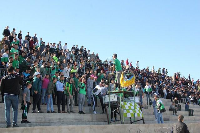+ صور :فريق هلال الناظور لكرة القدم يحافظ على صدارة الترتيب و يفوز في مقابلة الديربي أمام أمل العروي بهذه النتيجة..