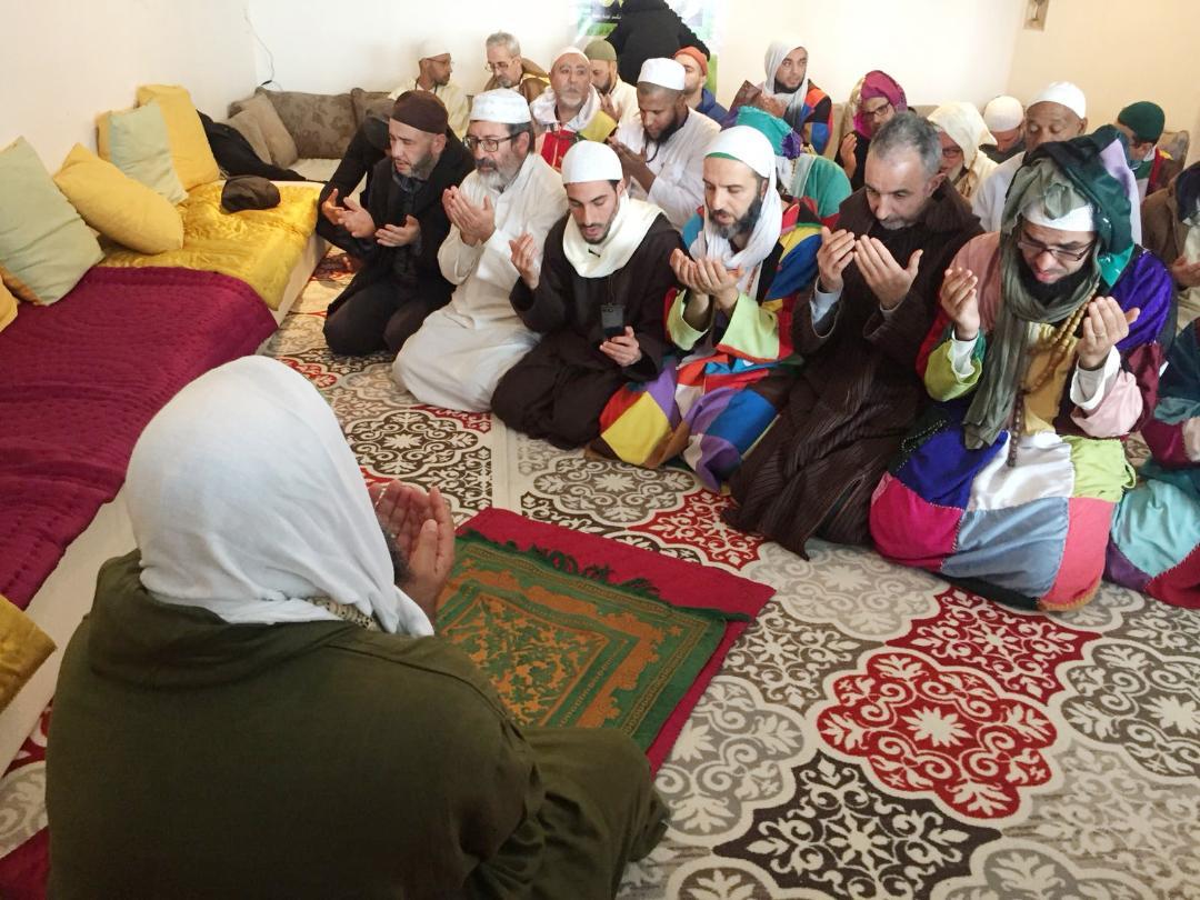 روبورتاج: خمسة فرنسيين يدخلون الإسلام بمقر الزاوية الكركرية بمدينة ليون فرنسا