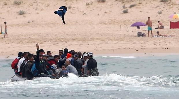 الوالي الزروالي : المغرب ينفق 200 مليون يورو لحماية المهاجرين من شبكات تهريب البشر بالناظور و باقي المدن