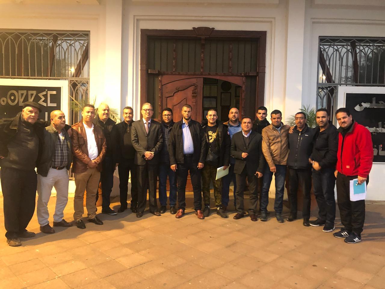 + صور: الرحموني يجتمع برؤساء الاندية الكروية بالناظور  لتنظيم دوري اقليمي في كرة القدم …