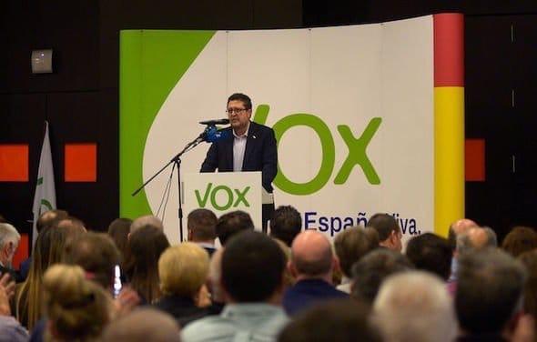 شعار 'إسبانيا بدون مغاربة' تحمل حزب 'فوكس' العنصري لإكتساح الإنتخابات الجهوية بالأندلس