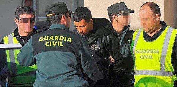 """مهاجر مغربي يقوم بفعل """"قبيح للغاية"""" في مركز تجاري باسبانيا"""