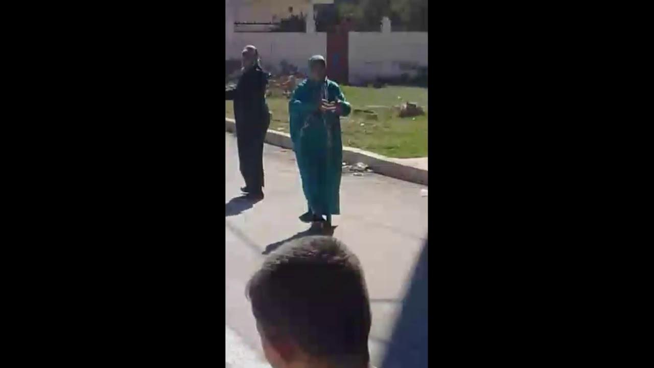 فيديو: اطفال يفضحون سيدات متهمات بالقيام باعمال شعوذة بالناظور