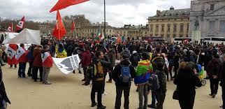 مسيرة باريس التضامنية مع حراك الريف تثير الجدل بين النشطاء قبل أن يتم تأجيلها لأسباب أمنية