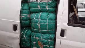 المصالح الأمنية بوجدة توقف 523 شخصا في أسبوع وتحجز 2 طن من الملابس القادمة من الناظور