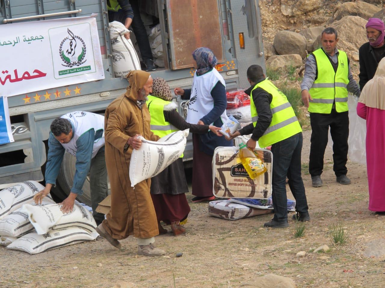 روبورتاج الناظور : الرحمة توزع مساعدات على 200 أسرة بأفسو في اطار حملتها شتاء دافئ 2019