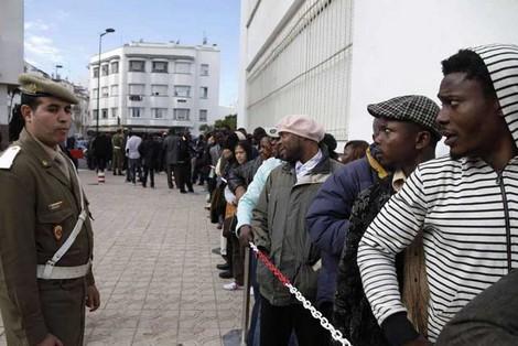 حقوقيون إسبان يتهمون المغرب بإيذاء مهاجرين بالناظور و طنجة
