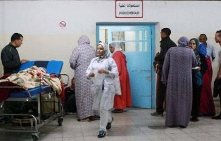 سقوط لوحة إعلانات ترسل عائلة بأكملها لمستشفى العروي بالناظور