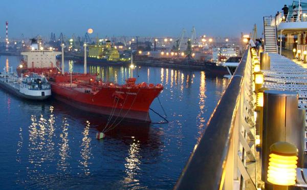 باتفاق مع بيوي: مستثمرون يريدون ربط الناظور بحريا بموانئ امريكا الجنوبية لهذا الغرض