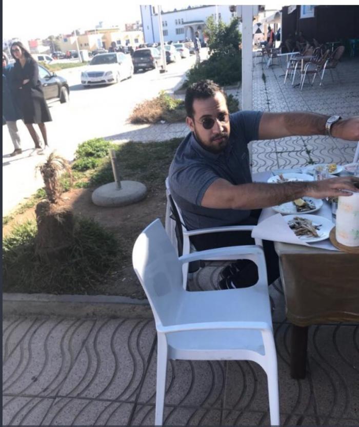 اعتقال بنعلا حارس الرئيس الفرنسي بسبب صورة له في مطعم بالناظور