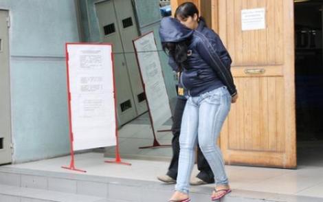 اعتقال مغربية حاولت رمي ابنتها من الطابق العاشر نواحي ملقة