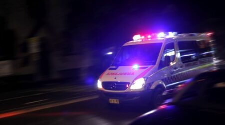 australian ambulance 450x250 1 - أريفينو.نت